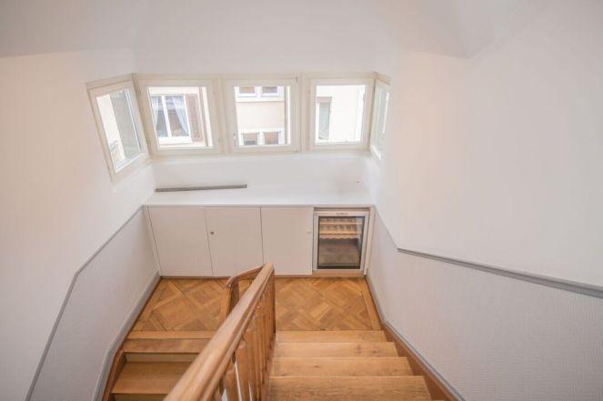 Zugant internes Treppenhaus